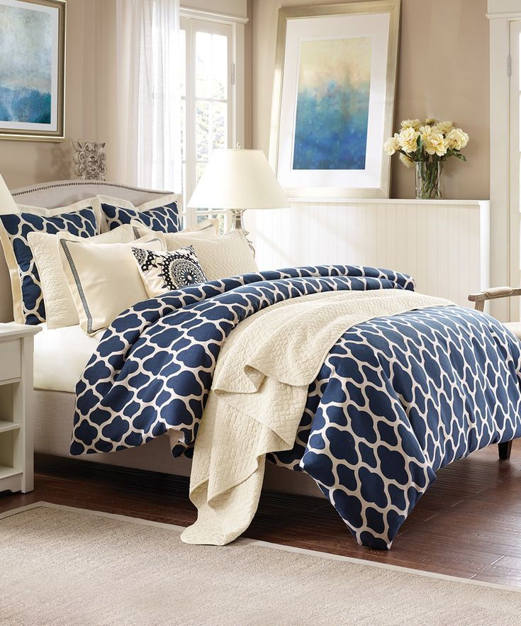 Best 25 navy blue comforter sets ideas on pinterest for Blue and cream bedroom decorating ideas