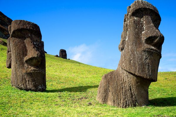 Rano Raraku Moai Colour by ~piratefuriousteddy on deviantART