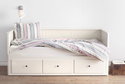 Ikea guest beds day beds 299 wow bedroom ideas for Ikea day bed