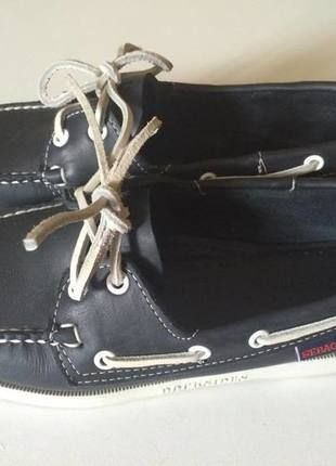 A vendre sur #vinted ! http://www.vinted.fr/femme/bateaux-and-slip-ons/15694542-chaussures-bateaux-sebago-femme-38