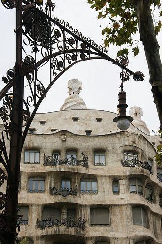 Barcelona Modernista - Passeig de Gràcia Pedrera Catalonia