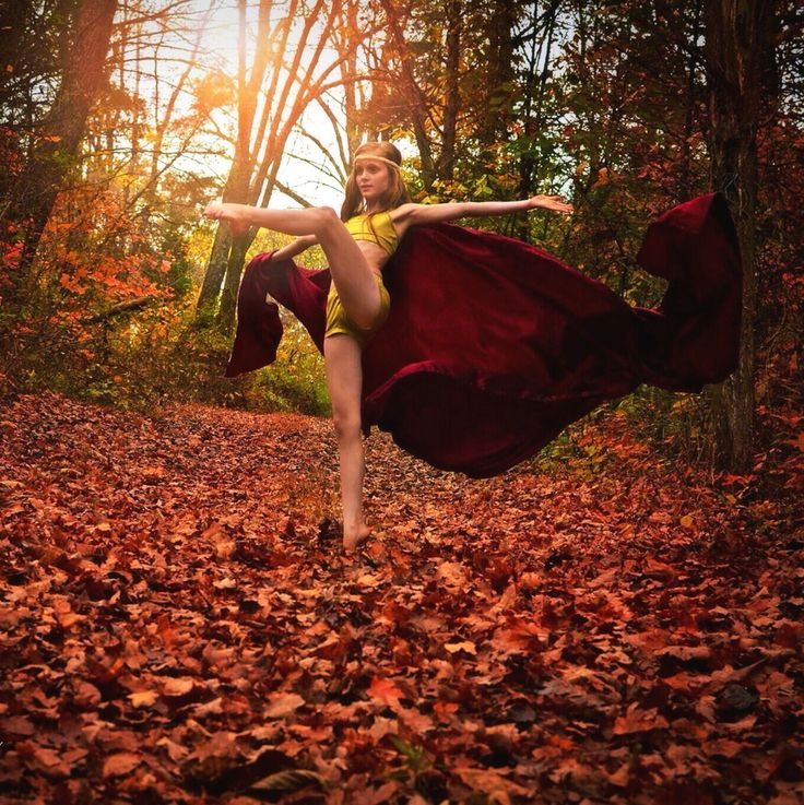 Pretty Wallpapers For Fall Dancer In Nature Fall Leaves Pointeproved Dance Photo