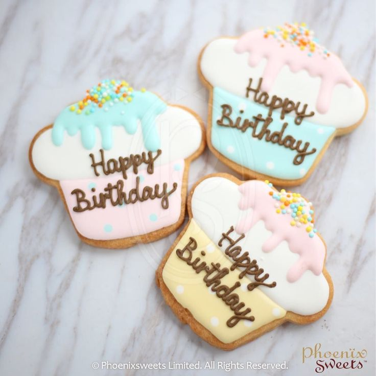 Happy birthday cupcake  #love #goodvibe #icingcookie #birthday #cookie #hkbrand #pmqhk #pmq #pastel #phoenixsweets #誕生日  By Phoenix Sweets Hong Kong --------------------------- Food Factory Licence No: 2963804620 Shop: S103 PMQ Central HK For enquiry: email order@phoenixsweets.com Online store: http://ift.tt/2olBMUf Website: http://ift.tt/1q5hbS5 http://ift.tt/2pnjcgH