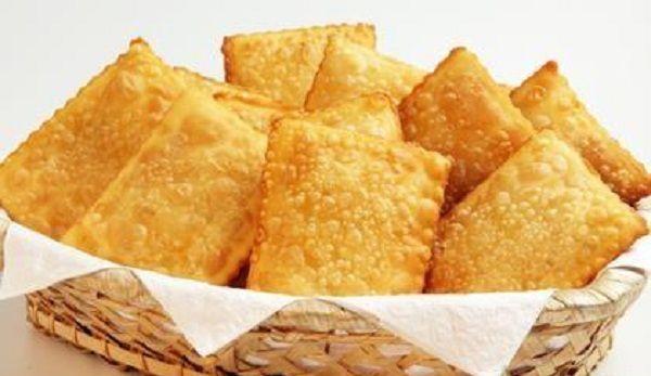 O Pastel Sequinho com Cachaça fica idêntico ao pastel delicioso vendido na feira. Prepare os seus recheios favoritos e faça esse pastel para o lanche de to