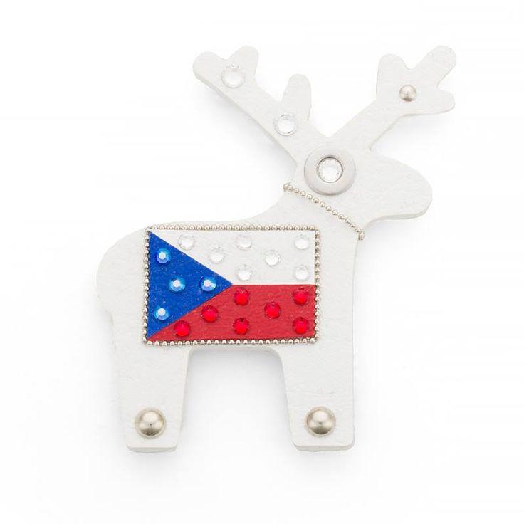Až hokejovému šílenství odzvoní, Czechína může dál hrdě zdobit lednici. Maxi jelen je vyroben jako magnet.