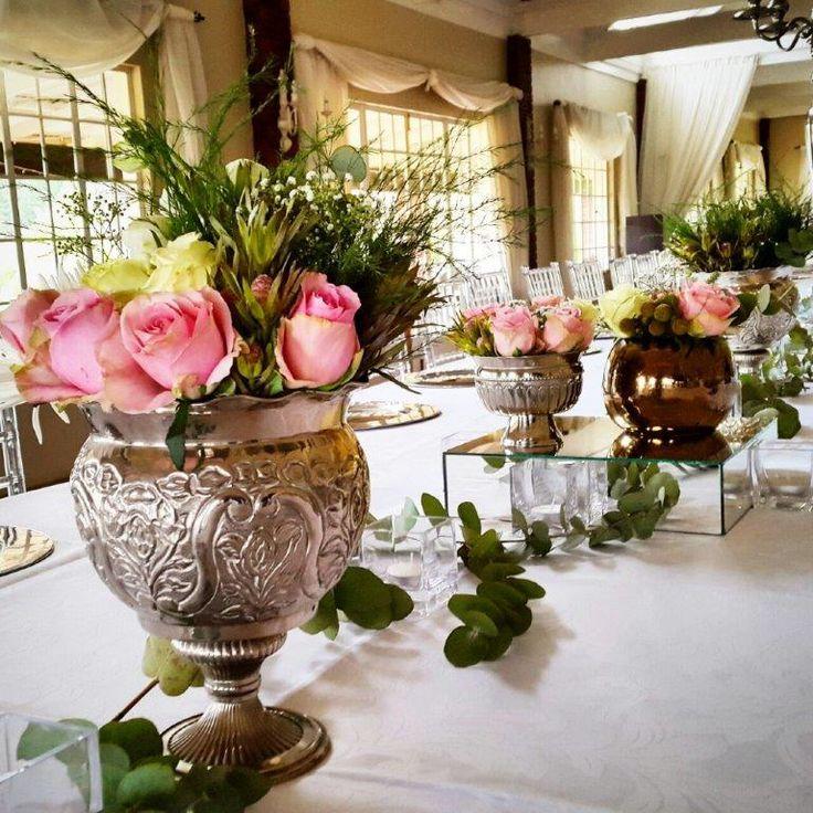Wedding reception with flower arrangements at Bellwood. Midlands Meander, KZN. #weddingdecor. Plan your dream day at www.midlandsmeander.co.za
