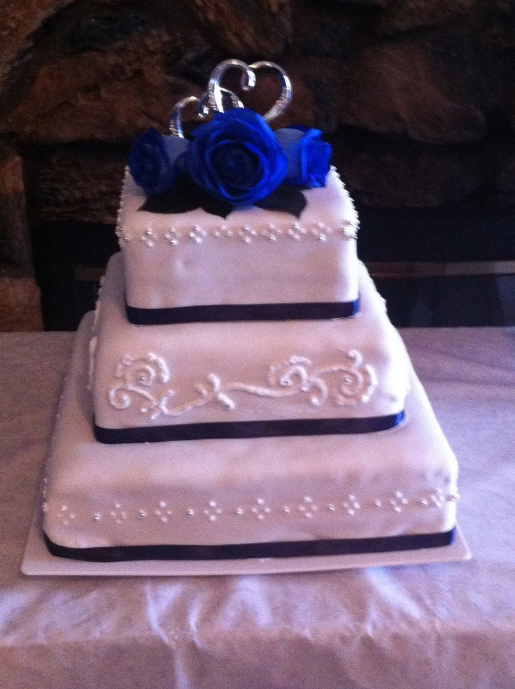 Blue And Silver Wedding Cake Not For My But I Do Love This