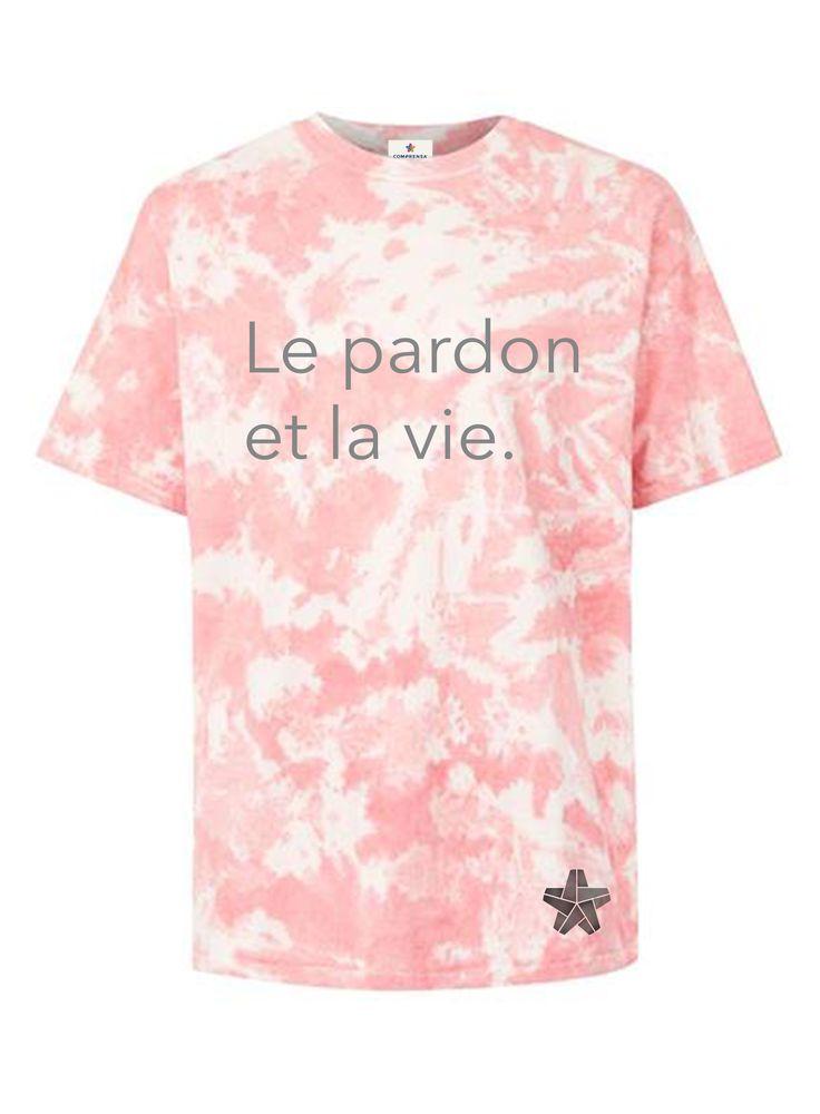 A pink tie-dye t shirt, round neckline, short sleeves, a straight hem.  #comprensa #model #fashion #manufacturer #design #company #textile #portugal #jersey #fleece #cotton #bio #sublimation #screenprinting #digitalprint #laser #photoprint