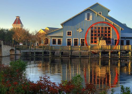 Disney's Port Orleans at Sunrise. I so very much need to explore this resort hotel. I've never been there!