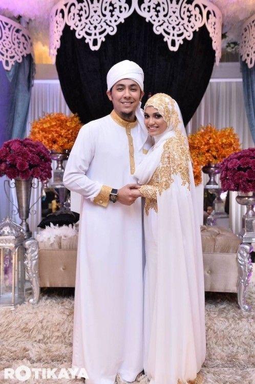 Simple hijab covering chest - Gambar Resepsi Perkahwinan Tertutup Syamsul Yusof, Puteri Sarah Liyana.. [GAMBAR] - isu terhangat