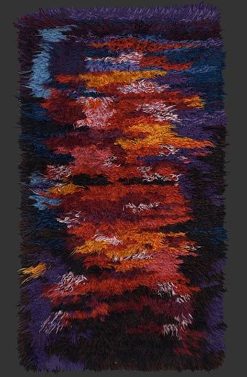 modernist rya rug, anonymous, hand-made in Sweden, 1960/70, ca. 4' 8'' x 2' 8'' __ on berber-arts.at