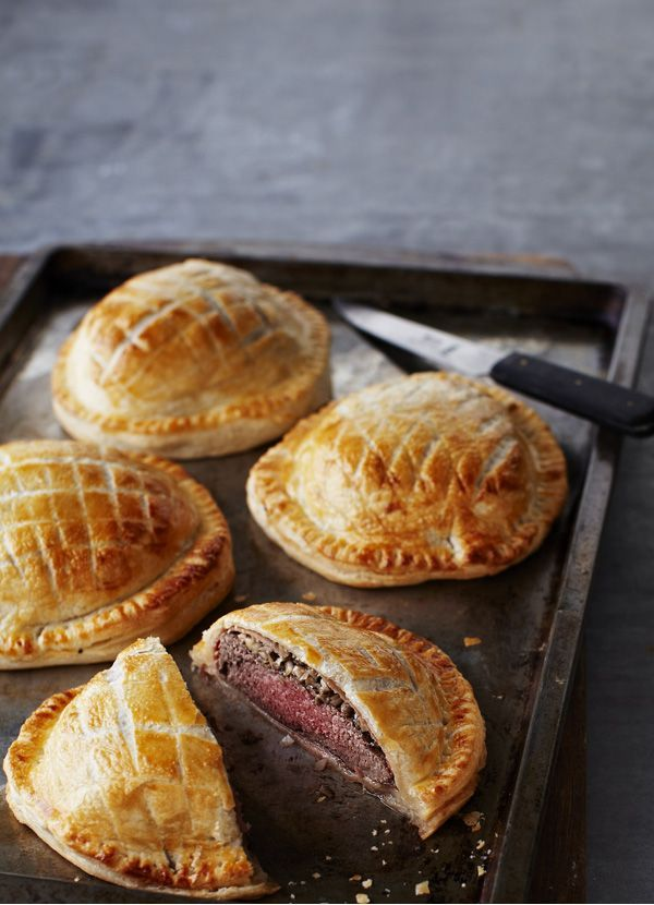 Beef Wellingtons: Perfectly cooked beef, mushrooms and flaky pastry make the best beef Wellington. Make these individual versions for a special occasion or just for special family and friends // Food Recipe Ideas