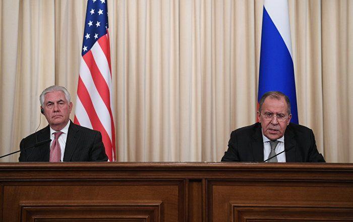 El canciller de Rusia, Serguéi Lavrov, y el secretario de Estado de EEUU, Rex Tillerson, abordaron en Moscú el futuro del presidente de Siria, Bashar Asad, informó el diplomático estadounidense.