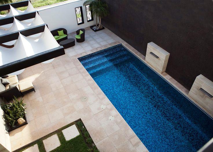 25 best ideas about albercas peque as on pinterest - Jardines de casas pequenas ...