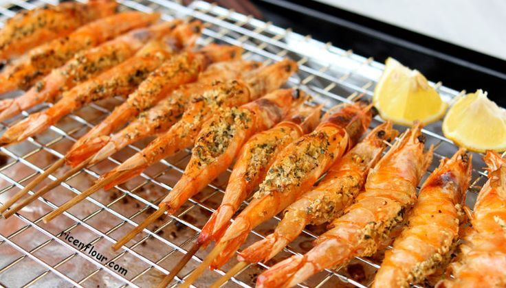 Garlic butter grilled prawns recipe: just 10 minutes to prepare a restaurant-quality-dish. The combination of butter, cheese, garlic and herbs...