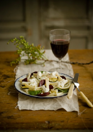 Beet and chevre pasta salad: Food Recipes, Pasta Salad, Red Wine, Beets Recipes, Sweet Paul Magazines, Honey Vinaigrette, Elegant Recipes, Blog Sweet, Fall 2011