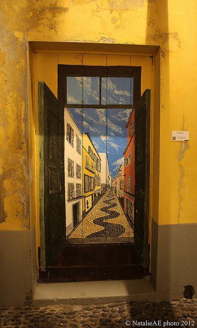 Funchal. Old town door