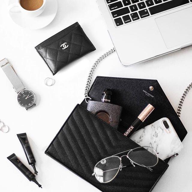 Pretty things...we'll take one of everything.   .   by @chloezhaang   .  .  .  .  #style #qdesignsny #styleblogger #stylish #fashion #luxuryblogger #mensfashion #lifestyle #fashiontech #iphone #techfashion #streetfashion #summerfashion #luxuryfashion #fashionblogger #bracelet #luxury #ny #bangle #nyc #accessories #womensfashion #wearabletech #jewelry #gorgeous #thegoodlife #repost