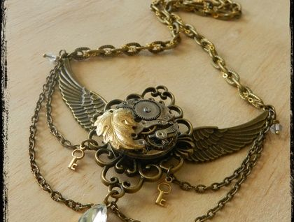 Exquisite Steampunk Winged Necklace