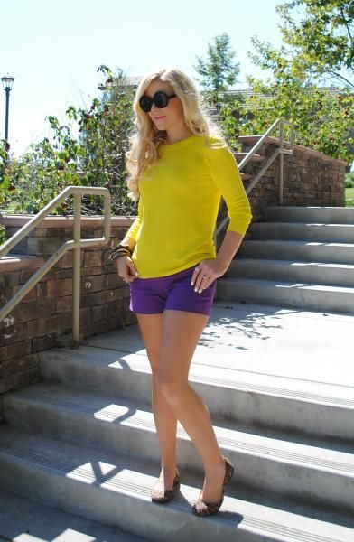 Complementary Color Scheme: yellow sweater and purple shorts with leopard print summer