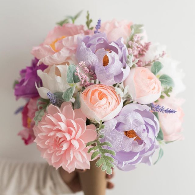 Spending this Sunday evening trying to prepare for a crazy week ahead and this Lavender Bundle is definitely calming my nerves! We are officially almost TWO weeks out from VALENTINES DAY lovelies!! So make sure you're ordering flowers that won't die for the loves in your life! Hope you're having a wonderful weekend, lovelies!