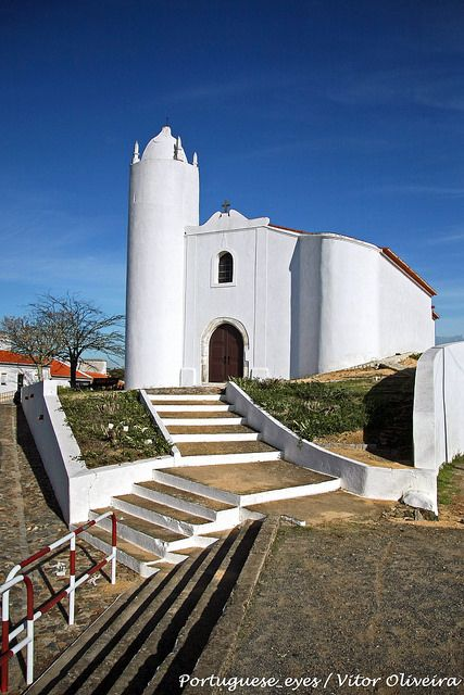 The Mother Church. Vila Ruiva, Alentejo, Portugal. (Photo: Vitor Oliveira) #alentejo #visitalentejo #portugal #visitportugal #vilaruiva #motherchurch #church #travel