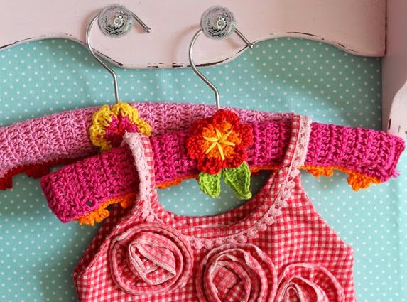 Free Crochet Patterns Clothes Hangers : 17 Best images about Crochet {tutorial} clothes hangers on ...