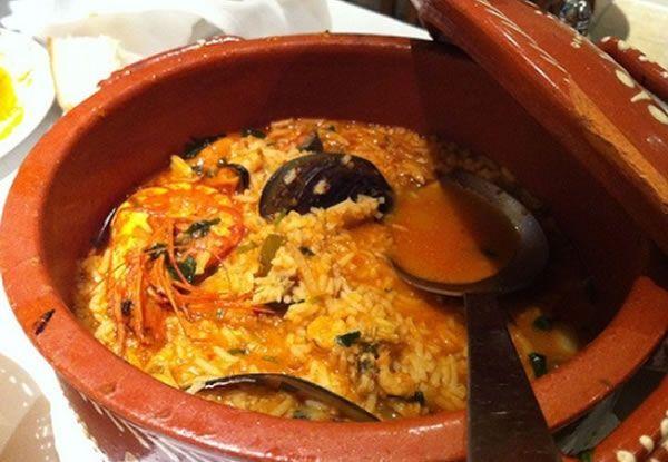 Le Riz de fruits de mer est une recette traditionnel de la cuisine portugaise, ayant son origine à la plage de Vieira de Leiria.
