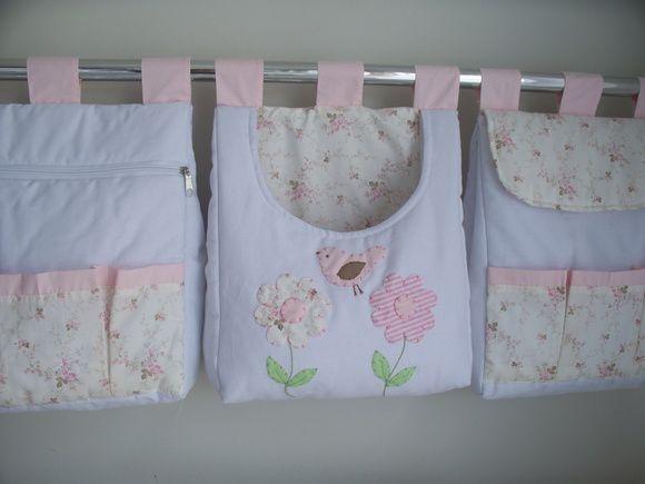 Porta fralda é uma peça linda pode ser fabricada combinando com o kit do berço  Porta fralda 3 peças  Tecido:fustão colegial 100% algodão  Medidas:30x40 cada