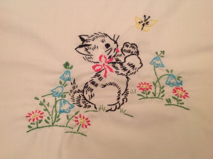 Vintage Embroidery Sitting Cat Kitten Butterfly Flowers Floral