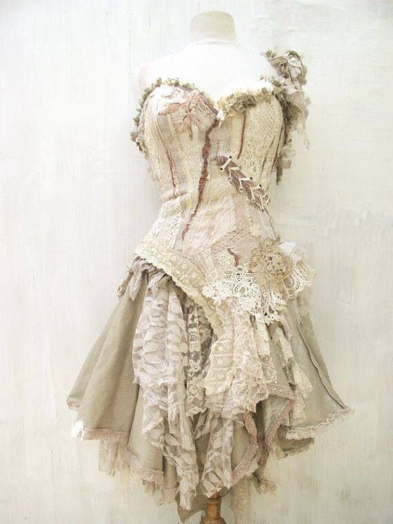 Faerie dress x don 39 t get messy in your dressy for Where can i get my wedding dress steamed
