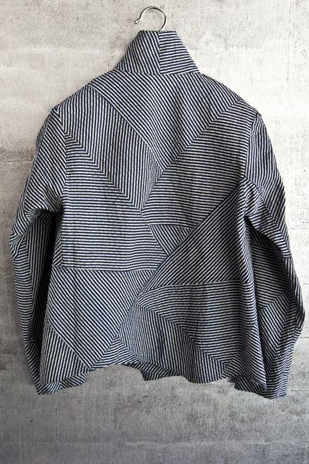 Cropped zigzag jacket, narrow striped cotton.