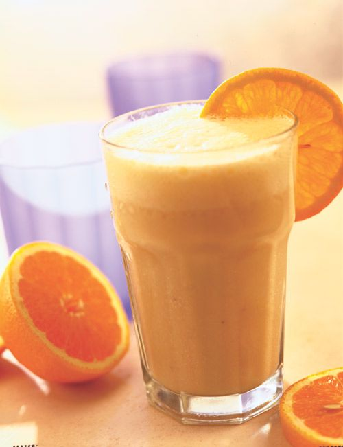 Recipe for Orange Dream Creamsicle Smoothie - A low-calorie, healthy smoothie that tastes just like a creamsicle. A perfect post-workout thirst quencher or mid-afternoon snack.