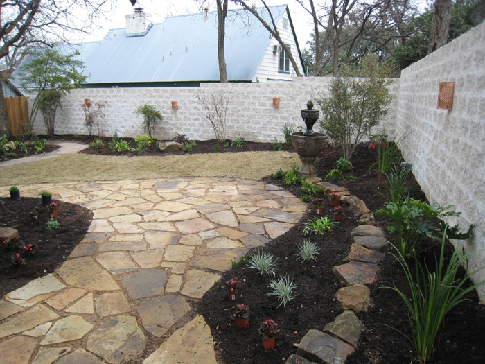 Landscapers austin texas landscaping texas native for Landscaping rocks austin