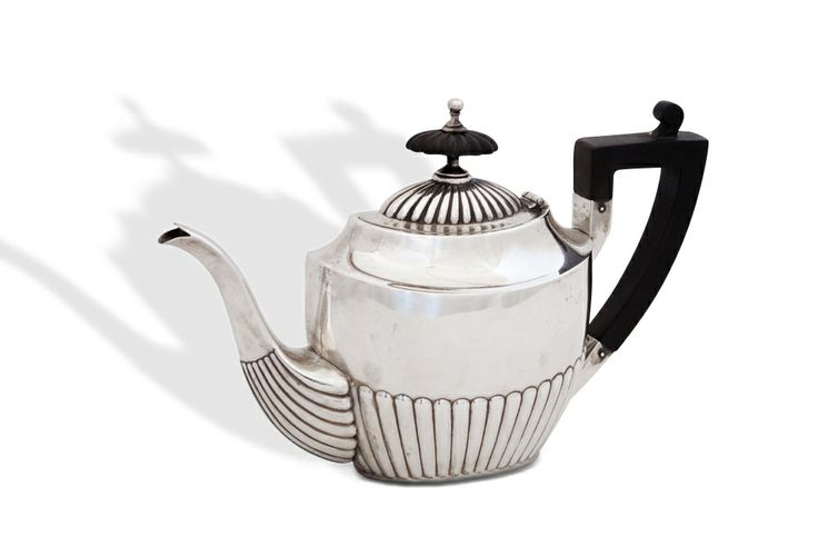 Coffee pot sterling silver for one person, probably U.S. ca 1910/20 Purchasing on CLASSIQS – www.classiqs.com