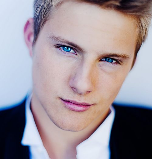 Alexander Ludwig. Hunger Games, Race to Witch Mountain