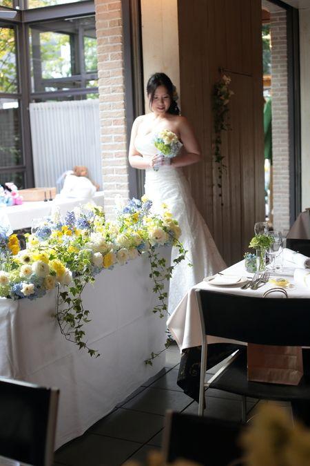 青と黄色の装花 アンカシェット様へ 青空と太陽 : 一会 ウエディングの花