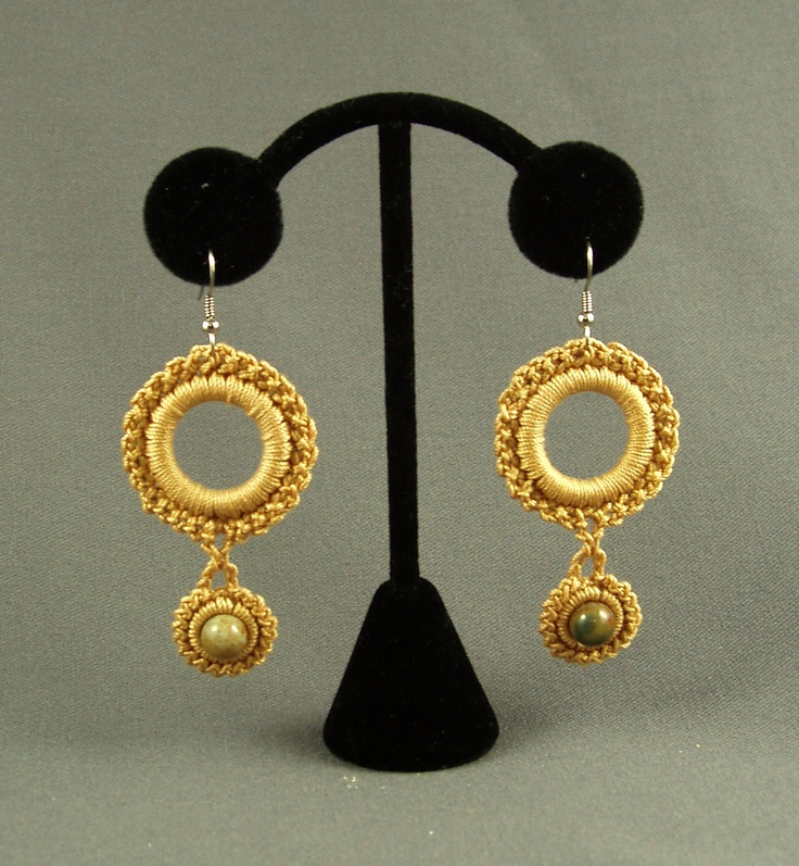 ,earrings