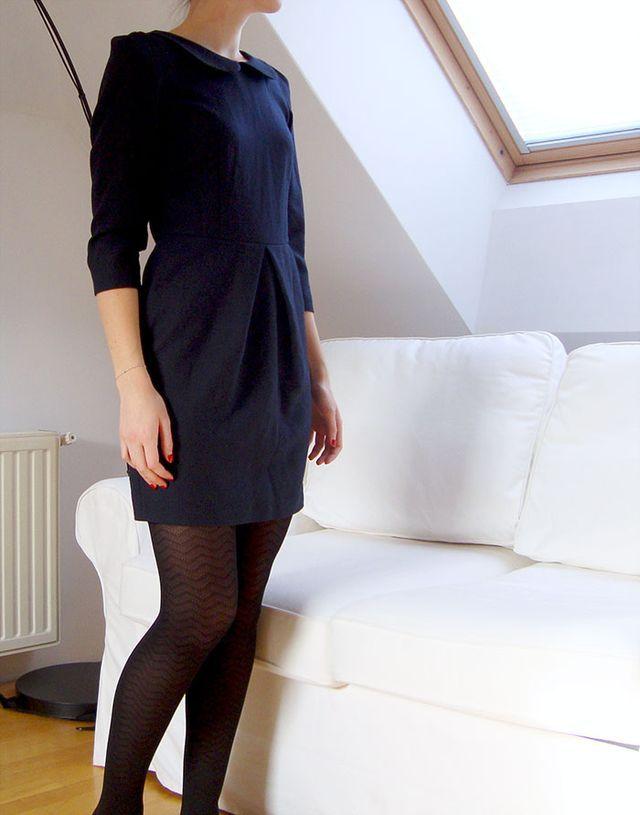 J'ai profité de la dernière «séance photo» pour photographier une robe que j'ai cousue il y a bien un an, car elle est issue d'un patron Burda vraiment chouette (pour une fois  ). C'est une de mes p