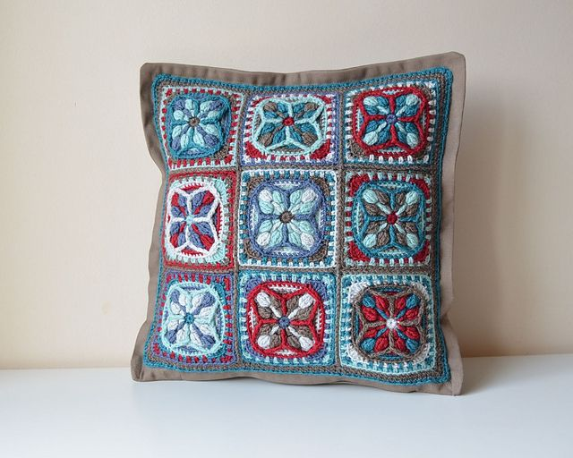 Ravelry: Lucky Quatrefoil Pillowcase pattern by Lilla Björn Crochet