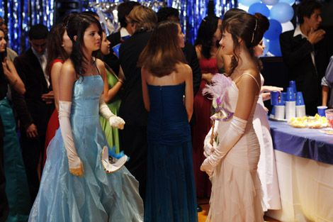 selena gomez princess protection program movie photos | Selena Gomez And Demi Lovato Crash A Prom - Starpulse.com