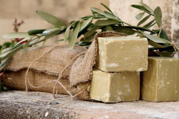 Sapone di Antiochia: storia, usi e proprietà del sapone di Antiochia. Sapone di Antiochia al confronto con il sapone di Aleppo e il sapone Nero del Marocco.