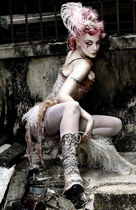 Marie Antoinette inspired punk. Drawing concept - body pose - makeup. Emilie autumn steam punk