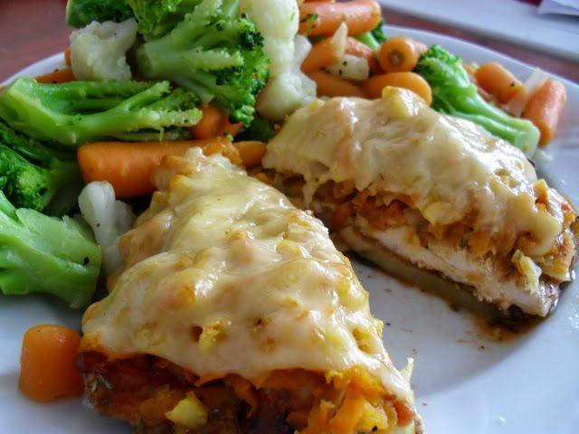 Kurczak pieczony pod serowo-warzywną kołderką