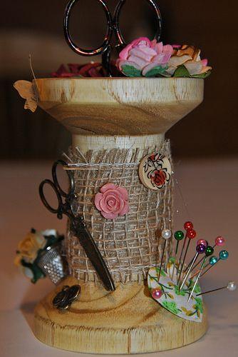 bobine bois tourné par mon homme et décorée