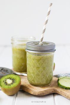 Grüner Smoothie | Smoothie mit Kiwi, Gurke, Apfel und Ananas | green smoothie | © monsieurmuffin