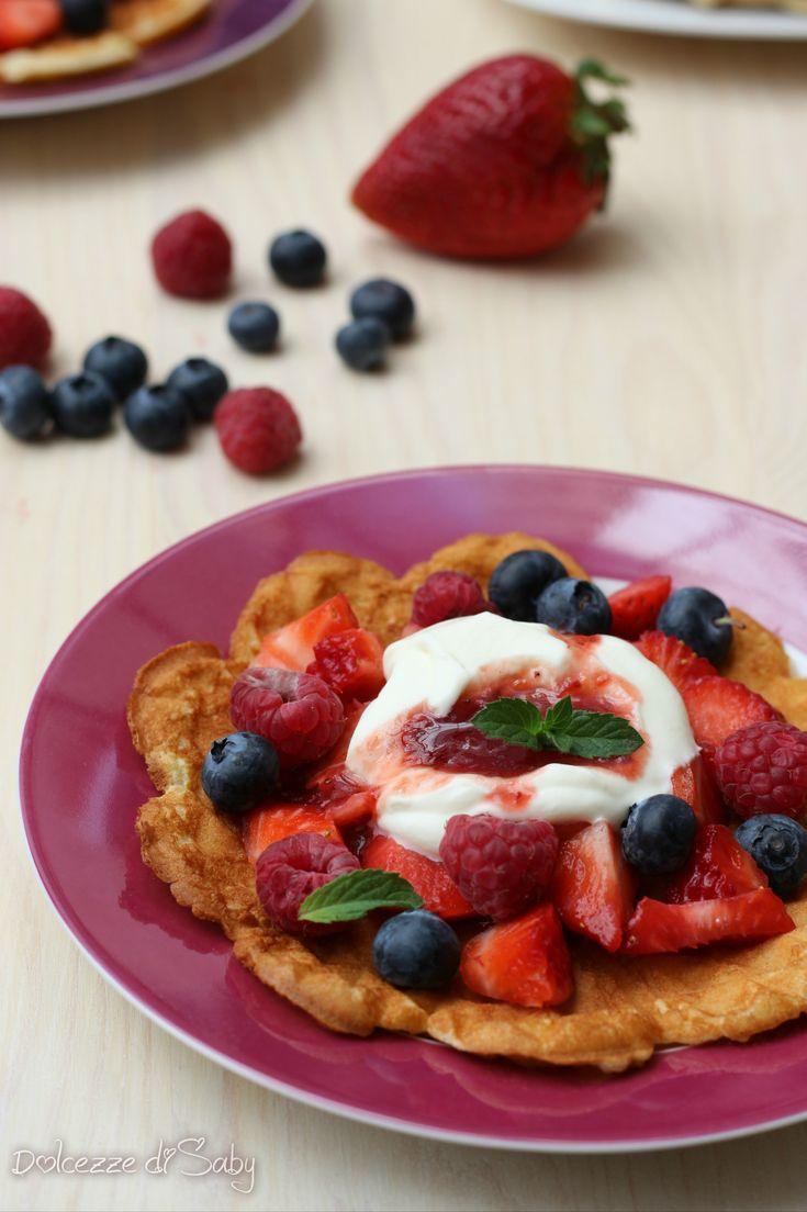 waffel frutti rossi e yogurt