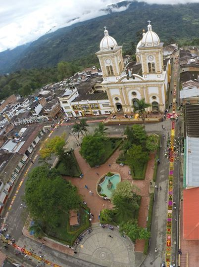 Municipio colombiano situado en el extremo sur oriente de la Provincia del Oriente, en el Departamento de Boyacá. Cuenta con 6.018 habitantes y tiene una temperatura promedio de 18 °C