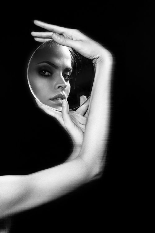 B & W mirror