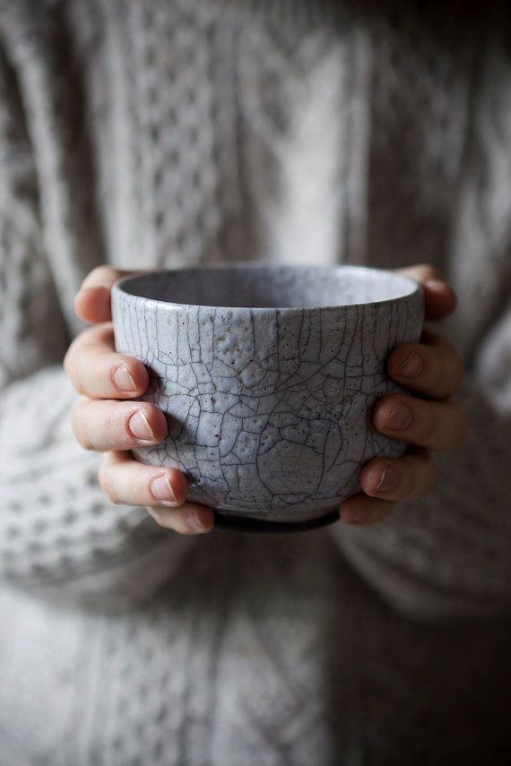 Contemporary Japanese Raku Bowl / Ice Gray crakle от TheFreakyRaku